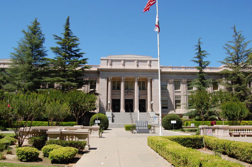 Yolo County Courthouse, Woodland, Calif. (Wikipedia)